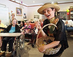 Eliza Doolittle performs at Clermont Aged Care Christmas Concert